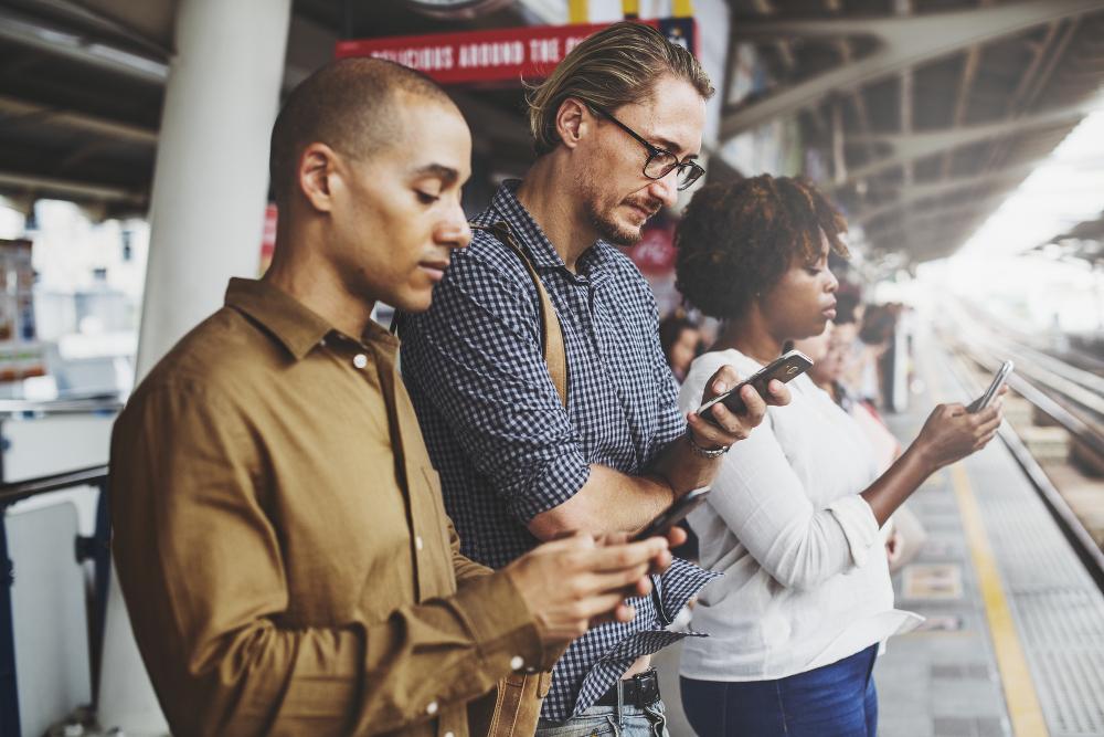 Afrontar la nomofobia, la adicción al celular.